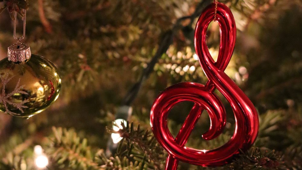 Is it possible for a string quartet to play seasonal music like Christmas carols? | ChurchMusic.ie