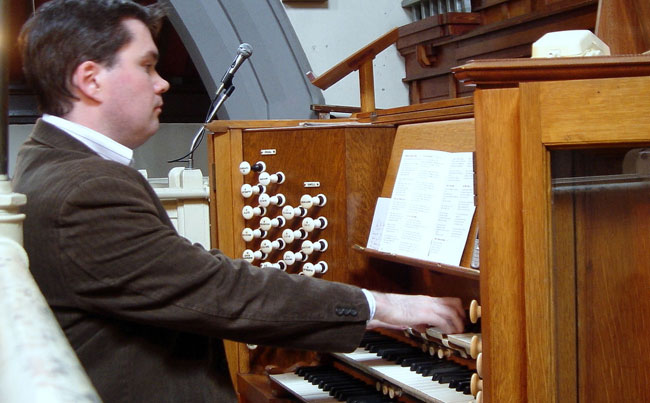 Dr. Michael O'Brien   Pianist and Organist   ChurchMusic.ie