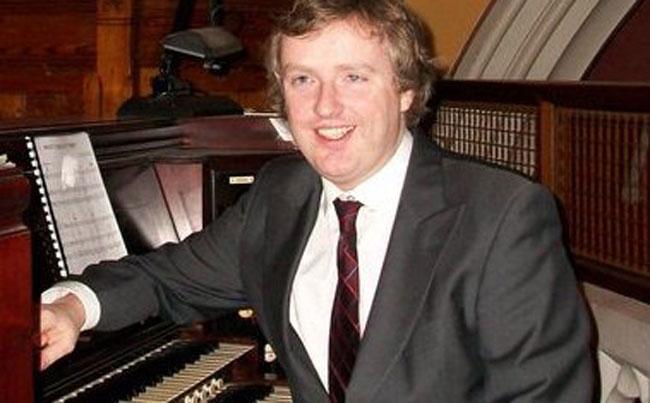 Ronan Murray | Pianist and Organist | ChurchMusic.ie