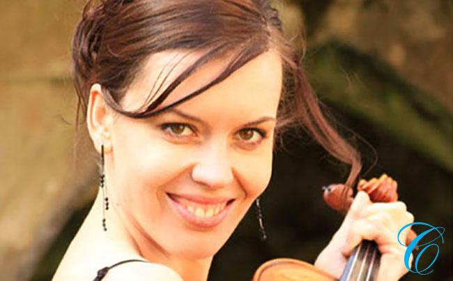 Klara Janu | Wedding Violinist | ChurchMusic.ie